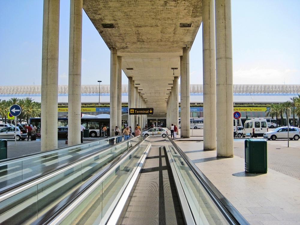 Met de taxi of bus vanaf Mallorca Airport naar centrum